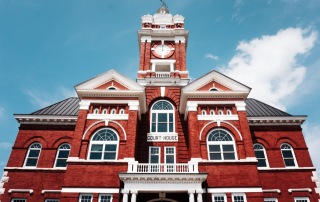 A red brick courthouse